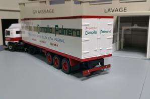 tracteur pegaso 1231t 310ch (1983-1989) avec semi-remorque frigo des trs compillo palmero (espagnol) modèle ixo au 1/43.(edition altaya numéro 55 semi-remorque d'exception).