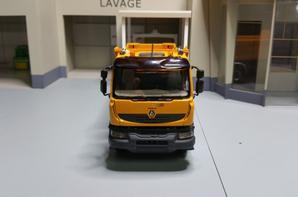 tracteur renault new kerax benne meiller en 8x4 modèle norev au 1/43.