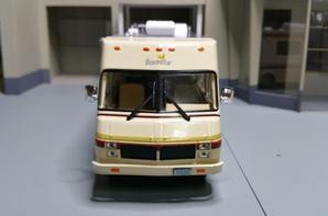 camping-cars le fleetwood bounder modèle ixo au 1/43.(édition hachette numéro 16 passion camping-cars).