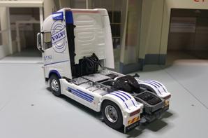 tracteur volvo fh4 s.t.n.i en détails modèle eligor au 1/43.