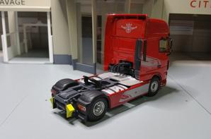 tracteur daf 106 xf 530cv édition spéciale 90éme anniversaire modèle eligor au 1/43.