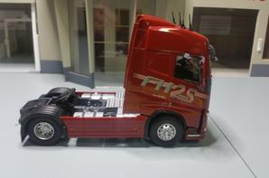 volvo trucks fh4 540 25 year édition modèle eligor au 1/43.