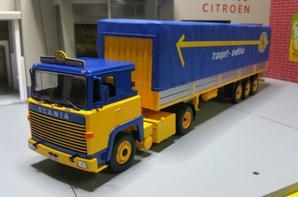 tracteur scania lbt 141 (1976-1981) avec semi-remorque savoyarde des trs spedition asg modèle ixo au1/43.( édition altaya numéro78 semi-remorque d'exception).