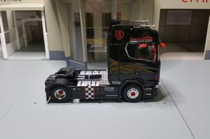 tracteur scania s730 v8 brm modèle eligor au 1/43.