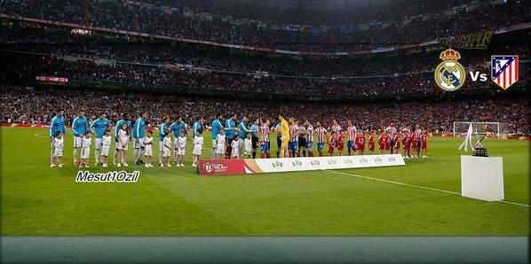 Photos de Mesut pendant la Finale de Coupe du Roi (17.05.13)