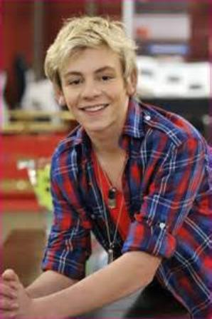 Austin Moon ou Ross Lynch???