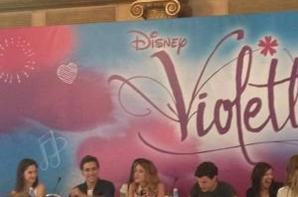Le Cast Violetta à Une Conférence De Presse