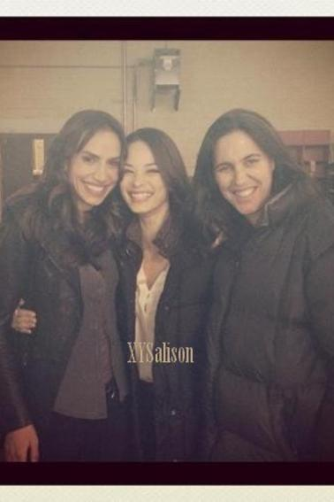 Kristin Kreuk with Nina Lisandrello on the set & Beauty and the Beast cast in a restaurant, 3 April 2012