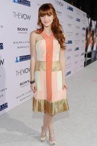 Bella Thorne adopte tout les looks !! :)