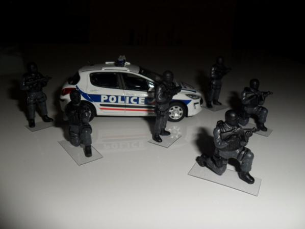 Equipe SWAT arrivée directement des Etats Unis