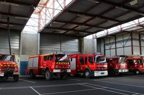 Les Véhicules (photo caserne & véhicules CS Niort 79)