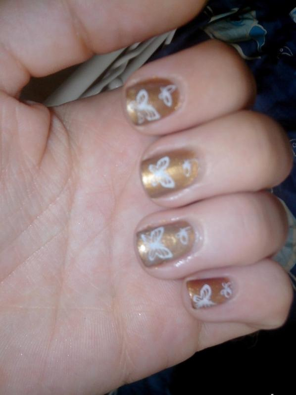Stamping marron avec papillon