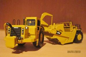 "Scraper  Caterpillar 657G ""le monstre"""