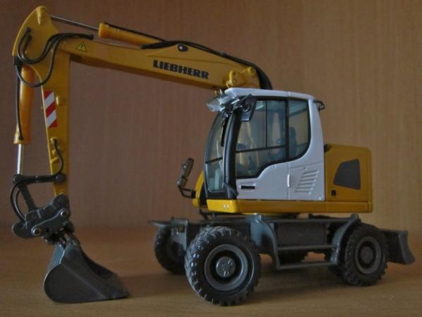 Pelle Liebherr  A 918 compact litronic