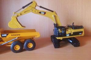 Excavatrice Caterpillar 374D l