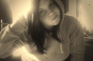 Les étoiles n'ont leur vrai reflet qu'à travers les yeux de la personne qu'on aime<3