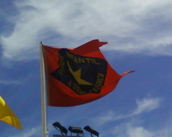 A bandeira da zona 4 faz fica doravante integrada na  ASSOCIAÇÃO AFRICANA