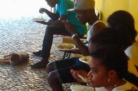 jovens angolanos na zona 4