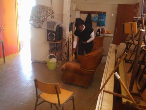 Obras de construção da nova sala-sem o apoio da Presidente da Assembleia- Dna Fátima de Sousa muitos dias não haveria comer