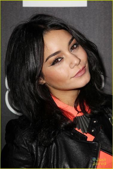 Vanessa Hudgens au lancement de L'Amour by Nanette Lapore Collection  24/01/2013