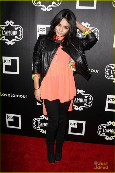 Vanessa Hudgens au lancement de L'Amour by Nanette Lapore Collection  24/01/2013