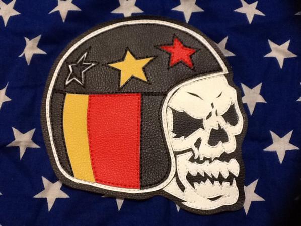 Casque avec crâne les couleur de la Belgique