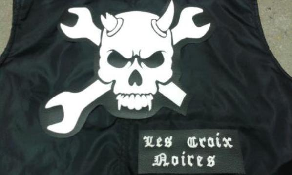 LES CROIX NOIRES