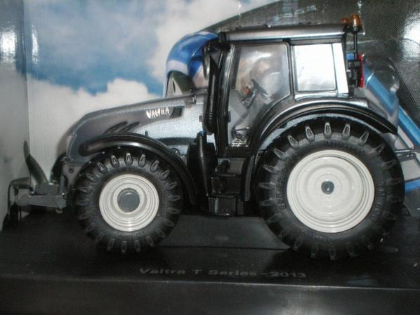 VALTRA T GREY 2em version