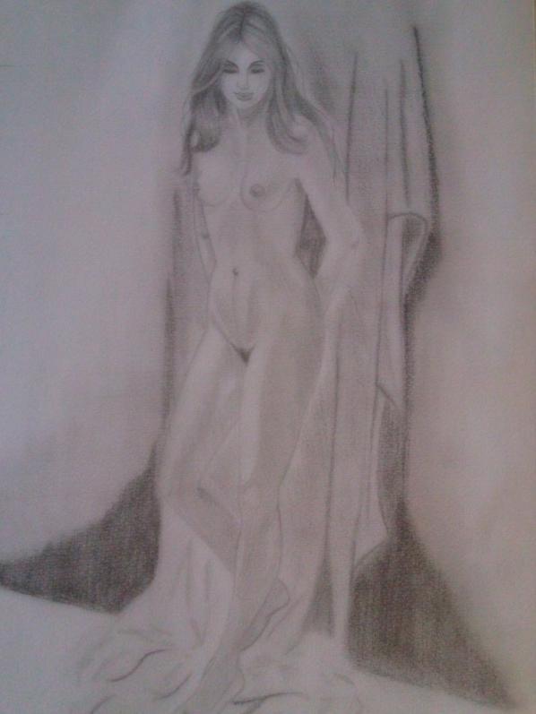 Femme nue adossée au mur