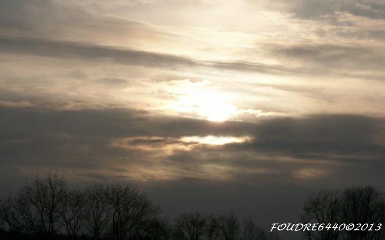 Un coucher de soleil,pour signifier la fin de la journée...