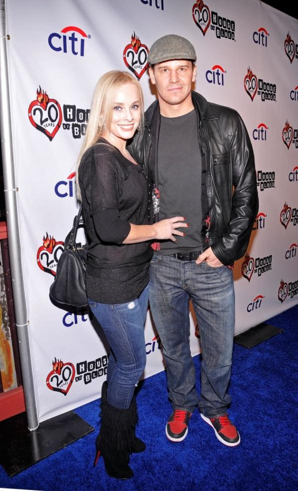 "• •  Le 4 décembre, David et sa femme étaient au "" House Of Blues 20th Anniversary Celebration "".  • •"