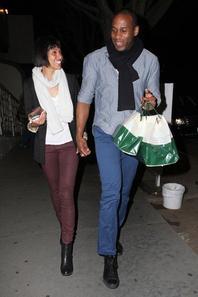 • •  Le 3 Mars, Tamara a été vu dans Hollywood sortant d'un restaurant en charmante compagnie.   • •