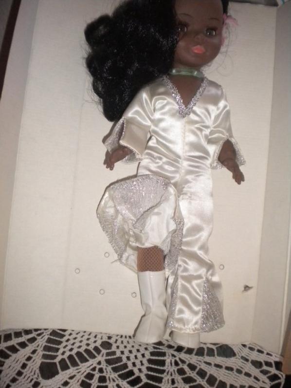 poupée ELLA de BELLA