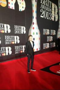Conor Maynard , Tapis Rouge des Brit Awards Part 2