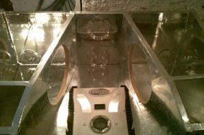 habillage de l'interieur des caissons et branchements de l'ampli, condo