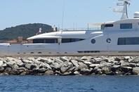 quelque photo de st tropez ou jetait en vacance et promenade en bateau en juillet