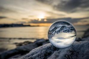 Progresser en photos avec  Previous  PicSphere - Lentille en Cristal
