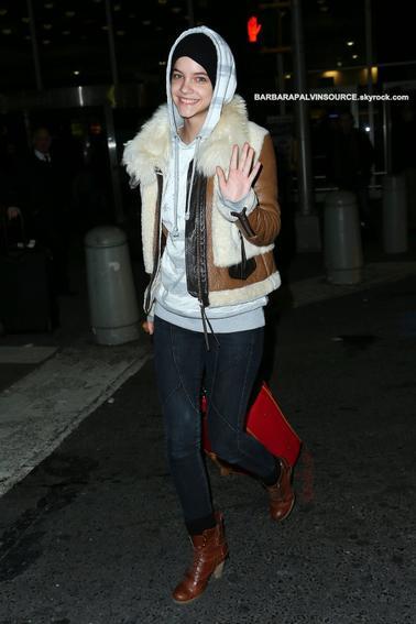 Barbara arrivant à l'aéroport de New York en début de mars 2013