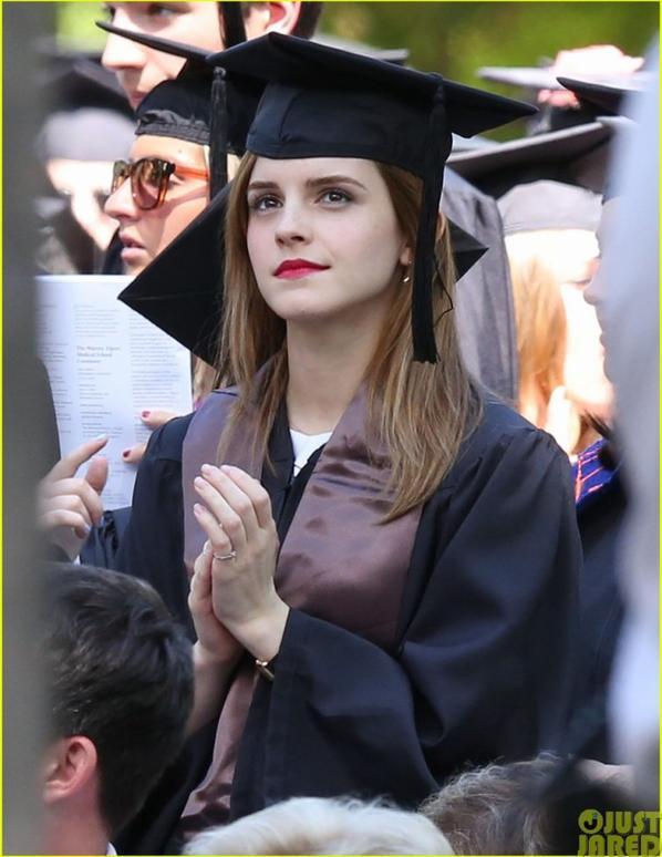 25.05 - Emma Watson obtient son diplôme à l'université Brown