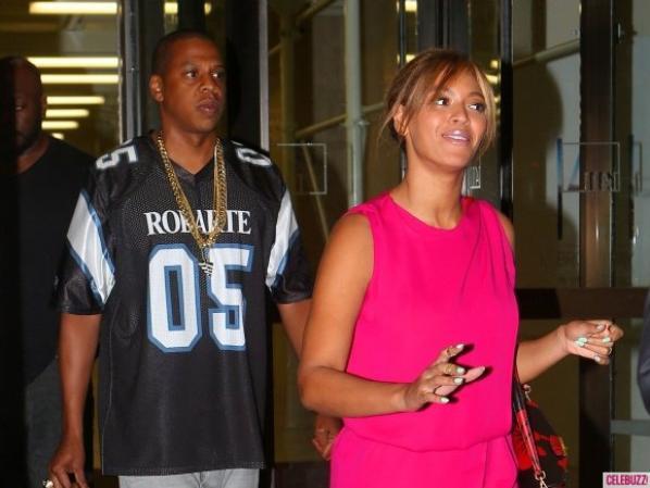 04.06 - Beyoncé dîne en amoureux avec Jay-Z