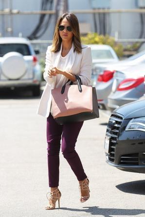 07.07 - Jessica Alba dans Los Angeles