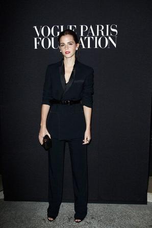 09.07 - Emma Watson @ Fashion Week Vogue