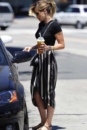 12.07 - Sophia Bush dans L.A.
