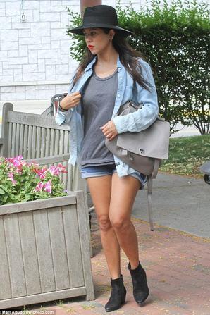12.07 - Kourtney Kardashian dans les Hamptons