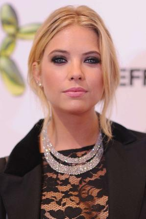 13.07 - Ashley Benson @ H&M Flagship Fifth Avenue Store Launch, NYC