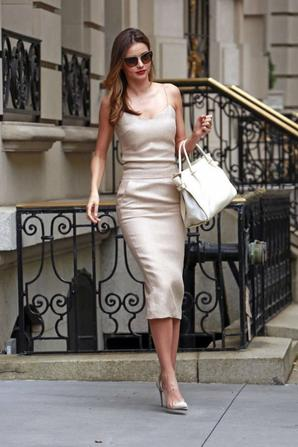 17.07 - Miranda Kerr quitte son appartement, New-York
