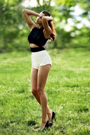 Irina Shayk pose pour Cosmopolitan China (Juillet 2014)