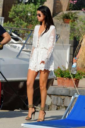 20.07 - Selena Gomez quitte l'hotel Della Regina Isabella, Italie