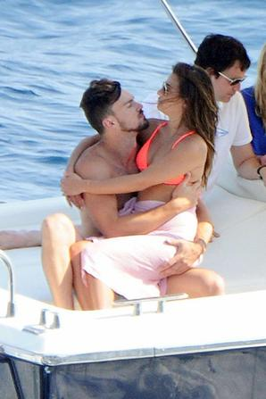 19.07 - Lea Michele et son nouvel amoureux sur un bateau, Italie