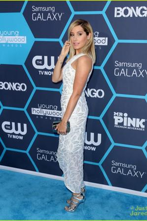 28.07 - Ashley Tisdale @ Young Hollywood Awards